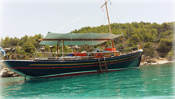 Spetses Boat rental Make a tour around Spetses